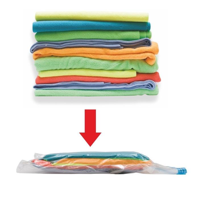 Пакет для хранения вещей Eva, вакуумный, 50 см х 60 смЕС-008Вакуумный пакет Eva из плотного полиэтилена предназначен для компактного хранения и перевозки одежды, постельных принадлежностей, мягких игрушек и прочего. Обеспечивает герметичнуюзащиту вещей от влаги, пыли, моли и запаха. Возможно многократное использование пакета. Пакет вакуумный для хранения вещей просто незаменим для тех, кто часто в разъездах и для хозяек, которые хотят освободить побольше места в шкафу. Технология вакуумного пакета позволяет уменьшить объем вещей в несколько раз, путем выкачивания воздуха. Плотный полиэтилен не даст пакету порваться, что гарантирует сохранность Ваших вещей. Характеристики: Материал:полиэтилен, пластик. Размер:50 см х 60 см. Производитель:Россия. Изготовитель:Китай. Артикул: ЕС-008.