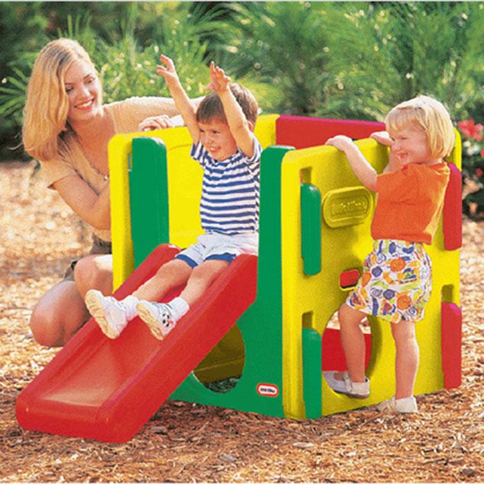 """Мультигорка """"Little Tikes"""" сделает игры детей еще интереснее и обеспечит вашему ребенку и его друзьям массу положительных эмоций во время катания. Горка изготовлена из ударопрочного пластика, устойчивого к ультрафиолетовому излучению. Многофункциональность горки позволяет не только кататься на ней, но и лазить словно по лабиринту. Такая горка прекрасно впишется в летний дачный сад или дополнит игровую площадку."""