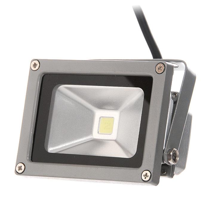 Прожектор светодиодный Luck & Light, цвет: серый, 10W104155Светодиодный прожектор Luck & Light, изготовленный из алюминия, прекрасно подойдет для архитектурной подсветки зданий, рекламной подсветки, ландшафтного освещения, подсветки витрин и экспозиций, освещения спортивных сооружений и объектов. Корпус прожектора серого цвета выполнен из алюминия. Прожектор крепится при помощи металлической рамы с регулировкой наклона. Преимущества светодиодного прожектора Luck & Light:- долгий срок службы светодиодов значительно снижает затраты на обслуживание прожекторов; - значительная экономия электроэнергии по сравнению с другими типами прожекторов; - прочный пыле-влагозащитный алюминиевый корпус, компактный размер; - широкий диапазон рабочих температур; - отсутствие УФ-излучения. Руководство по эксплуатации на русском языке прилагается. Характеристики:Материал: алюминий, металл, стекло. Размер прожектора:11,5 см х 8,6 см х 9 см. Мощность: 10 Вт. Цветовая температура: 6000К. Световой поток: >860 Лм. Напряжение: 220-240 В. Частота тока: 50 Гц. Диапазон рабочих температур: от - 40 до +55°С. Срок службы: 50000 часов. Степень защиты: IP65. Сечение подключаемых проводников: 0,75-1,5 мм2. Электрозащита: Класс 1. Размер упаковки: 12 см х 9,5 см х 9 см. Изготовитель: Китай. Артикул: LF10WG.
