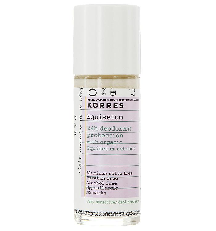 Korres Дезодорант шариковый с экстрактом хвоща, для очень чувствительной кожи, 30 млHX6082/07Без солей алюминия, без парабенов, без спирта, гипоаллергенный, не оставляет следов. Подходит для кожи после депиляции. Дезодорант, который обеспечивает комфорт чувствительной кожи на 24 часа. Входящие в состав натуральные активные компоненты и экстракт хвоща обеспечивают эффективную защиту от неприятного запаха. Активный компонент ромашки – бисаболол – предотвращает появление раздражений, смягчая и увлажняя кожу.• Липоаминоксилота – удаляет нежелательную флору, вызывающую неприятные запахи (продукт биотехнологий) • Хвощ – обладает антибактериальными, дезинфицирующим, ранозаживляющим, вяжущим свойствами • Бисабол – устраняет раздражения, обладает противовоспалительным действием • Другие противомикробные вещества, 100% растительного происхождения, оказывают мощное воздействие на бактерии, вызывающие нежелательные запахи • Полисахариды кукурузы – матирующий эффектНаносить каждый день утром и/или вечером на чистую, сухую кожу.