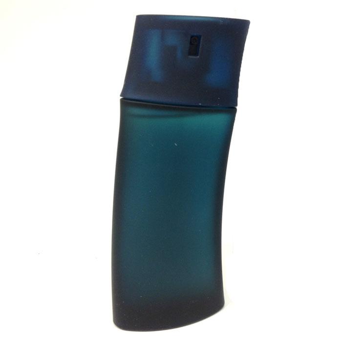Kenzo Туалетная вода Homme, мужская, 100 мл1301210Kenzo Homme - тонкий и элегантный, этот запах трудно поддается анализу из-за своей многослойности, своеобразной гаммы. Он соединяет в себе запах водорослей с цветочными элементами, аромат кожи, трав и волны морской свежести. В верхних нотах - комбинация ароматов шалфея, лимона, бергамота и красного дерева.Классификация аромата: водный, древесный. Верхние ноты: красное дерево, шалфей, бергамот, лимон.Ноты сердца:мускатный орех, тимьян, гвоздика, озон.Ноты шлейфа:пихта, мускус, кедр, сандал.Ключевые слова:Мужественный, пьянящий, свежий, яркий!Туалетная вода - один из самых популярных видов парфюмерной продукции. Туалетная вода содержит 4-10%парфюмерного экстракта. Главные достоинства данного типа продукции заключаются в доступной цене, разнообразии форматов (как правило, 30, 50, 75, 100 мл), удобстве использования (чаще всего - спрей). Идеальна для дневного использования. Товар сертифицирован.