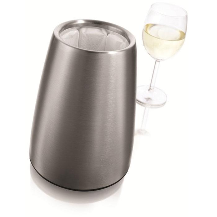 Охладительная рубашка VacuVin Rapid Ice Prestige для вина, 0,75 л3647360Охладительная рубашка VacuVin Rapid Ice Prestige в серебристом корпусе из нержавеющей стали позволяет за 5 минут охладить бутылку вина емкостью 0,75 л от комнатной температуры до необходимой и поддерживать ее несколько часов. Вам просто требуется вынуть из корпуса мягкую охладительную рубашку (открыв крышку снизу корпуса), поместить ее в морозильную камеру, а когда вам потребуется, достать ее из морозильной камеры, вставить в металлический корпус и поместить бутылку в это ведерко. Ваш напиток остается холодным в течение нескольких часов. Это свойство достигается благодаря нетоксичному гелю, содержащемуся внутри мягкой рубашки. Стильно и незабываемо романтично... Характеристики:Материал: нержавеющая сталь, пластик, ПВХ, гель. Диаметр охладительной рубашки: 10,5 см. Диаметр основания охладительной рубашки: 14,5 см. Высота охладительной рубашки: 20,5 см. Размер упаковки: 15 см х 15 см х 20,5 см. Производитель: Нидерланды. Артикул: 3647360.