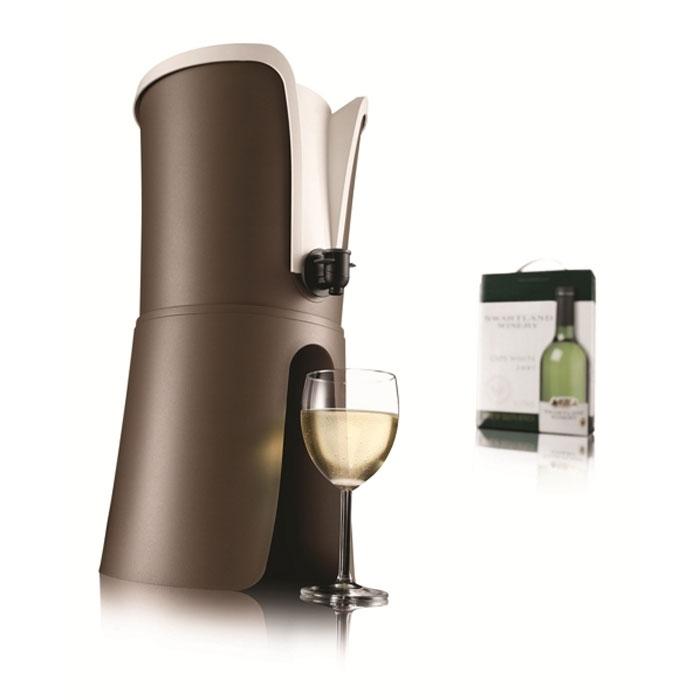 Устройство VacuVin Wine Tender для охлаждения и розлива вина в пакетах93-SI-FO-16.7Устройство VacuVin Wine Tender, изготовленное из высококачественного пластика, предназначено для охлаждения, а также удобного и красивого розлива вина, находящегося в фольгированных пакетах до 3 литров. В комплект входят 2 охлаждающих элемента, которые необходимо хранить в морозильной камере. Вино охлаждается за 10 минут и поддерживается холодным в течение длительного времени. Это свойство достигается благодаря нетоксичному гелю, содержащемуся внутри охлаждающего элемента. Устройство VacuVin Wine Tender идеально для барбекю, пикников и вечеринок на открытом воздухе и дома. Возьмите его с собой на пикник и наслаждайтесь отдыхом. Характеристики:Материал: пластик. Размер устройства: 44 см х 22 см х 22 см. Размер охлаждающего элемента: 22 см х 18,5 см х 1 см. Размер упаковки: 24 см х 22 см х 23 см. Производитель: Нидерланды. Артикул: 3646460.