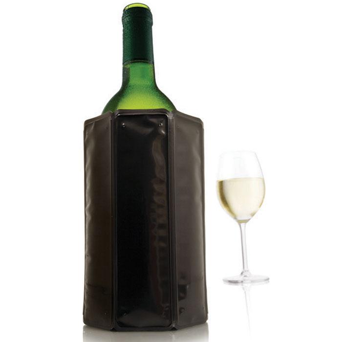 Охладительная рубашка VacuVin Rapid Ice для вина, цвет: черный, 0,75 л3889160Оригинальная охладительная рубашка для вина VacuVin Rapid Ice представляет собой очень холодный мягкий футляр, позволяющий в среднем за 5 минут охладить бутылку вина емкостью 0,75 л от комнатной температуры до необходимой и поддерживать ее несколько часов. Вы просто помещаете охладительную рубашку в морозилку, а когда вам требуется быстро охладить бутылку вина, вы ее достаете и одеваете на бутылку, и вино остается холодным в течение нескольких часов. Это свойство достигается благодаря нетоксичному гелю, содержащемуся внутри рубашки. Данное изделие может использоваться сотни раз и не трескается под воздействием низкой температуры. Характеристики:Материал: ПВХ, гель. Высота охладительной рубашки: 17,5 см. Диаметр охладительной рубашки: 11 см. Размер упаковки: 20 см х 14,5 см х 3 см. Производитель: Нидерланды. Артикул: 3880460.