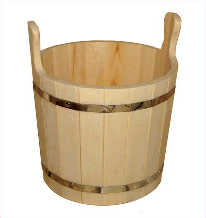 Запарник Банные штучки, 8 л00007560Запарник Банные штучки, изготовленный из древесины липы, доставит вам настоящее удовольствие от банной процедуры. При запаривании веник обретает свою природную силу и сохраняет полезные свойства. Корпус запарника состоит из металлических обручей, стянутых клепками. Для более удобного использования запарник имеет по бокам две небольшие ручки. Интересная штука - баня. Место, где одинаково хорошо и в компании, и в одиночестве. Перекресток, казалось бы, разных направлений - общение и здоровье. Приятное и полезное. И всегда в позитиве. Характеристики:Материал: дерево (липа), металл. Высота запарника (без ушек): 25 см. Высота запарника (с ушками): 35 см. Диаметр запарника по верхнему краю: 28 см. Объем: 8 л. Артикул: 03604.