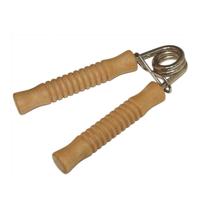 Эспандер для рук Банные штучкиУТ-00007332Эспандер Банные штучки предназначен для тренировки и укрепления мышц кисти и предплечья, его можно использовать в любое время и в любом месте. Эргономичные ручки из дерева позволяют надежно удерживать эспандер в руке. Жесткая металлическая пружина создает оптимальное сопротивление и нагрузку. Характеристики:Материал: дерево, металл. Размер эспандера: 14 см х 9 см х 2 см. Размер упаковки: 15,5 см х 13 см х 2,5 см. Артикул: 40162.