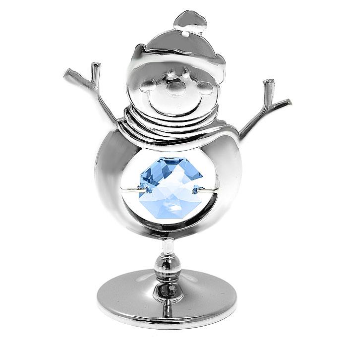 Миниатюра Снеговик, цвет: серебристый, 6,5 см90684Декоративное изделие в виде очаровательного снеговика, украшенного голубым кристаллом Swarovski, изготовлено из высококачественной стали. Оригинальная миниатюра будет отличным подарком к новогодним праздникам для ваших друзей и коллег.Более 30 лет компания Crystocraft создает качественные, красивые и изящные сувениры, декорированные различными кристаллами Swarovski.Характеристики:Материал: металл, австрийские кристаллы. Высота миниатюры: 6,5 см. Цвет: серебристый. Размер упаковки: 5 см х 7,5 см х 3 см. Артикул: U0300-001-CBL. Более чем 30 лет назад компанияCrystocraftвыросла из ведущего производителя в перспективную торговую марку, которая задает тенденцию благодаря безупречному чувству красоты и стиля. Компания создает изящные, качественные, яркие сувениры, декорированные кристалламиSwarovskiразличных размеров и оттенков, сочетающие в себе превосходное мастерство обработки металлов и самое высокое качество кристаллов. Каждое изделие оформлено в индивидуальной подарочной упаковке, что придает ему завершенный и презентабельный вид.