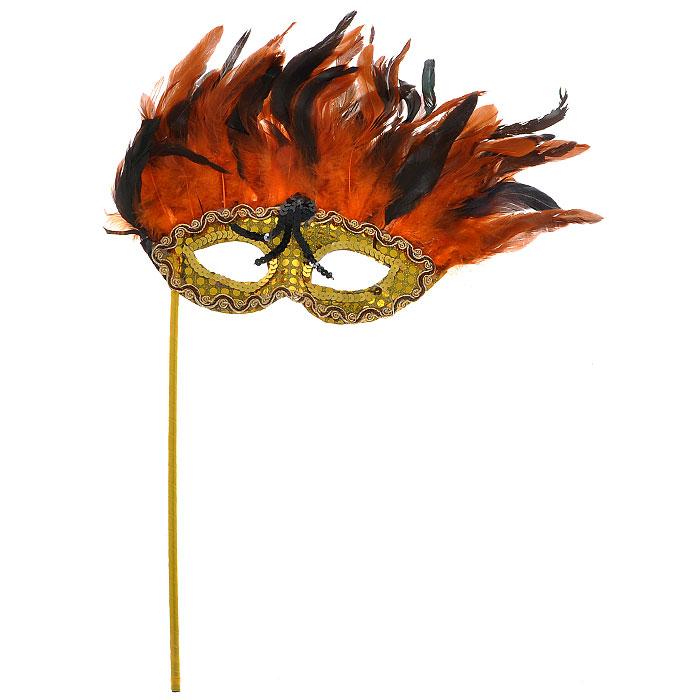 Карнавальная маска Каприз. 3054-2008NLED-454-9W-BKУ вас намечается веселая вечеринка или маскарад? Изящная карнавальная маска Каприз с держателем, расшитая золотистыми пайетками и украшенная перьями, внесет нотку задора и веселья в праздник. А так же станет завершающим штрихом в создании праздничного образа. В этой роскошной маске Вы будете неотразимы. Характеристики: Материал:пластик, пух, перья, текстиль. Размер маски (без учета перьев и держателя): 23,5 см х 9 см. Размер маски (с учетом перьев и держателя): 31 см х 53 см. Длина держателя: 29,5 см. Изготовитель: Китай. Артикул:3054-2008.