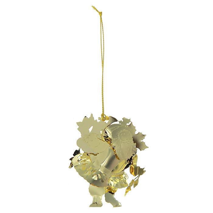 Новогоднее подвесное украшение Дед Мороз, цвет: золотистый. 25060C0042416Новогоднее подвесное украшение Дед Мороз, выполненное из золотистого металла, украсит интерьер вашего дома или офиса в преддверии Нового года. Оригинальный дизайн и красочное исполнение создадут праздничное настроение. Новогодние украшения всегда несут в себе волшебство и красоту праздника. Создайте в своем доме атмосферу тепла, веселья и радости, украшая его всей семьей. Характеристики:Материал:металл. Размер украшения:5,5 см х 2 см х 6,5 см. Размер упаковки:6,5 см х 2,5 см х 8 см. Изготовитель:Китай. Артикул:25060.
