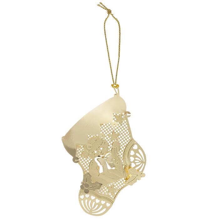 Новогоднее подвесное украшение Феникс-Презент Носок, цвет: золотистый. 2505525055Новогоднее подвесное украшение Феникс-Презент Носок, выполненное из золотистого металла, украсит интерьер вашего дома или офиса в преддверии Нового года. Оригинальный дизайн и красочное исполнение создадут праздничное настроение.Новогодние украшения всегда несут в себе волшебство и красоту праздника. Создайте в своем доме атмосферу тепла, веселья и радости, украшая его всей семьей.