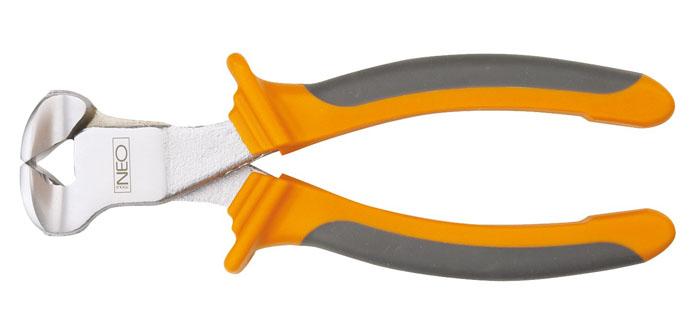 Кусачки торцевые Neo, 16 см2706 (ПО)Кусачки торцевые Neo предназначены для перекусывания закаленной проволоки, снятия изоляции и других работ.Кусачки имеют прорезиненные рукоятки и увеличенные режущие кромки, закаленные дополнительно индуктивным методом. Твердость режущих кромок 55-60 HRC. Оптимальная сила благодаря высокому отношению плеч рычагов. Характеристики:Материал:резина, металл. Длина кусачек:17 см. Размер кусачек:17 см х 6 см х 3 см. Размер упаковки: 22 см х 8,5 см х 3 см.
