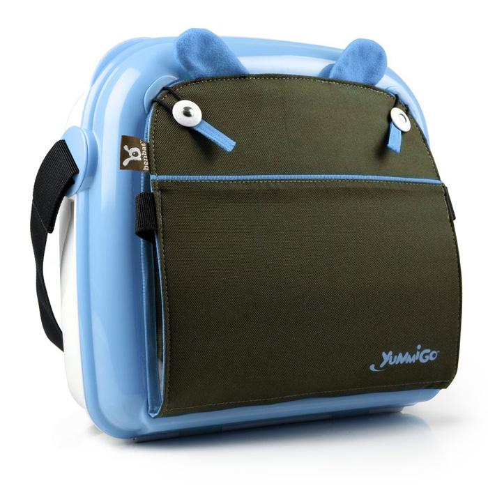 Детская сумка-сидение Yummigo - компактная и легкая помощница для любой мамы. Ее жесткий корпус легко чистится, а также обеспечивает устойчивость и защищает содержимое сумки от механической деформации.  Сумка-сиденье выполнена из прочного пластика в виде чемоданчика с вместительным отсеком, удобным для хранения подгузников, игрушек, бутылочек и прочих детских принадлежностей, которые необходимы в пути или на прогулке. В верхней части сумки расположена текстильная спинка сиденья с прочным каркасом. Чтобы усадить малыша, необходимо отстегнуть спинку и закрепить ее с помощью ремней к спинке обычного стула, закрепить с помощью ремней к сиденью стула саму сумку, затем надежно закрепить малыша при помощи ремней безопасности. Ячеистая структура дна сумки минимизирует любое скольжение на поверхности, а специальная конструкция пряжек помогает избежать перекручивания ремней. Сумка-сиденье снабжена внешним карманом для вещей первой необходимости, который особенно удобен при пеших прогулках. Благодаря широкому текстильному ремню, регулируемому по длине, сумку будет удобно нести на плече.   Характеристики:Материал: пластик, текстиль. Рекомендуемый возраст: от 9 месяцев. Максимальный вес: 20 кг. Размер сумки в сложенном виде: 32 см х 29 см х 13 см. Изготовитель: Китай.