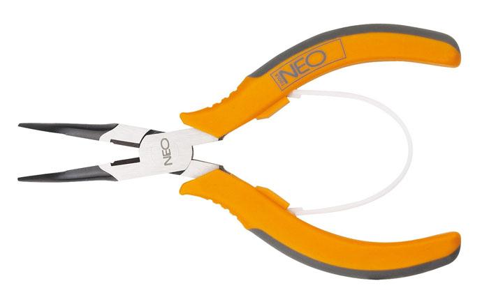 Плоскогубцы Neo, удлиненные, изогнутые, 140 мм2706 (ПО)Плоскогубцы Neo изготовлены из хром ванадиевой стали. Они предназначены для захвата, зажима и удержания мелких деталей.Имеют эргономичные ручки. Характеристики: Материал:хром-ванадиевая сталь, резина. Общая длина:14 см. Размер плоскогубцев: 14 см х 5 см х 1 см. Размер упаковки: 20 см х 8,5 см х 1,5 см.