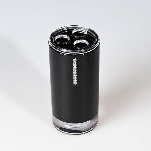 Стакан для зубных щеток Diamond Black, цвет: черныйBL505Стакан для зубных щеток Diamond Black изготовлен из акрила черного цвета и украшен стразами. Стакан имеет три отверстия для зубных щеток. Зубная щетка легко загрязняется, поэтому ее следует содержать в абсолютной чистоте. Хранение зубных щеток в специальном стакане заметно снижает количество микроорганизмов в самой щетке, а щетинки сохраняют свою твердость и форму. Стакан Diamond Black сохранит ваши зубные щетки и станет стильным аксессуаром, который украсит интерьер ванной комнаты. Характеристики: Материал: акрил, стразы. Диаметр стакана: 6,3 см. Высота стакана: 13,5 см. Размер упаковки: 7 см х 7 см х 15 см. Артикул: 694703.