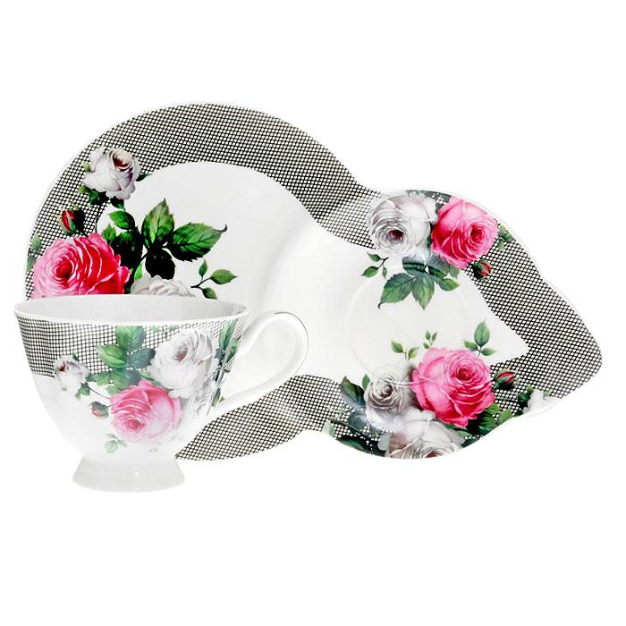 Чайная пара Сафир, 2 предмета24484_белый, красный, серыйЧайная пара Сафир изготовлена из высококачественного фарфора и декорирована красочным рисунком с изображением белых и красных роз, сочетает в себе изысканный дизайн с максимальной функциональностью. Красочность оформления придется по вкусу ценителям утонченности и изысканности. Оригинальный рисунок придает набору особый шарм, который понравится каждому. Характеристики: Материал:фарфор. Внутренний диаметр чашки по верхнему краю:9,5 см. Высота чашки: 7,5 см. Объем чашки: 200 мл. Размер блюдца:26 см х 16,5 см х 1,5 см. Размер упаковки:26 см х 17 см х 11 см. Изготовитель:Китай. Артикул:4601137104515.