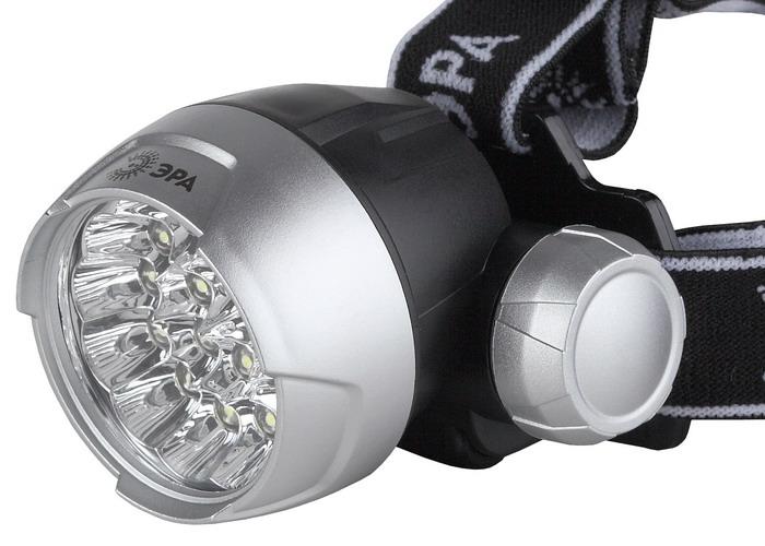 Налобный светодиодный фонарь ЭРА G170003929Налобный фонарь ЭРА G17 пригодится при работе в затемненных местах, ночной прогулке. Тканевый ремешок обеспечит комфорт при длительном ношении. Характеристики:Материал:пластик, металл. Размер упаковки: 12 см х 15 см х 10 см. Размер фонаря: 6 см х 5 см х 5 см.