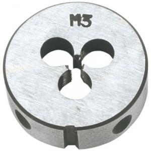 Плашка вольфрамовая Topex, М12, 25 х 9 мм2706 (ПО)Плашки вольфрамовые Торех используются для нарезания метрической резьбы. Характеристики: Материал: металл. Шаг резьбы: М12. Размеры плашки: 2,5 см х 0,9 см. Размеры упаковки:9 см х 5 см х 1,5 см.