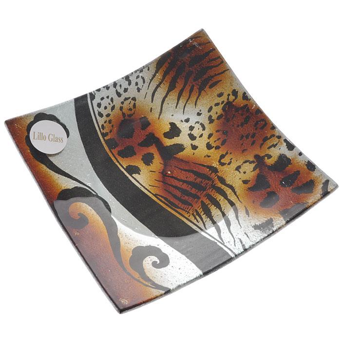 Блюдо Lillo Glass, цвет: черный, коричневый, 16 см х 16 см. LIL 1280-22VT-1520(SR)Квадратное блюдо Lillo Glass, изготовленное из стекла, декорировано рисунком под леопард и тигр. Такое блюдо сочетает в себе изысканный дизайн с максимальной функциональностью. Красочность оформления придется по вкусу тем, кто предпочитает утонченность и изящность.Блюдо Lillo Glass украсит сервировку вашего стола и подчеркнет прекрасный вкус хозяина, а также станет отличным подарком. Характеристики:Материал: стекло. Цвет: черный, коричневый. Размер блюда:16 см х 16 см. Размер упаковки: 18 см х 18 см х 3,5 см. Артикул: LIL 1280-22.
