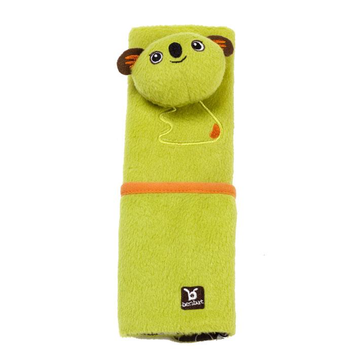"""Накладка для ремня безопасности """"Коала"""" поможет вашему ребенку провести время в путешествии с максимальным комфортом. Мягкая и удобная накладка не позволит ремню пережимать и стягивать шею и грудь вашего малыша, препятствуя натиранию тугим и жестким ремнем. Накладка крепится к ремню безопасности с помощью двух липучек и оформлена объемной головой и вышитым туловищем симпатичной коалы. Накладка оснащена небольшим кармашком, в который можно положить игрушки, салфетки или другие полезные мелочи. Накладка предназначена для детей в возрасте от четырех до восьми лет."""