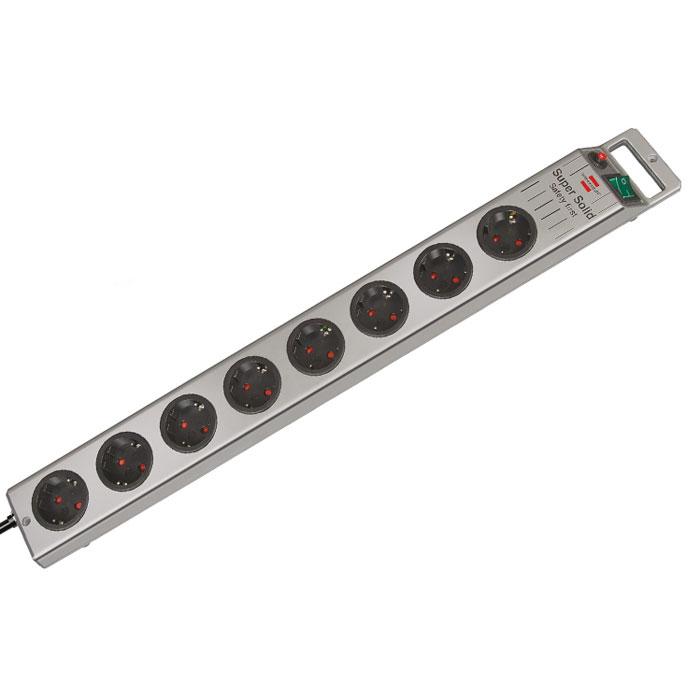 Удлинитель Super-Solid Line с выключателем, универсальный, 8 гнезд, 2,5 м, цвет: серебристыйC0043326Универсальный удлинитель Super-Solid Line с 2-х полюсным выключателем для безопасного разъединения. Удобно расположенные розетки позволяют подключать угловые вилки. Высокое качество, надежность и безопасность, так же предусмотрена защита от детей.