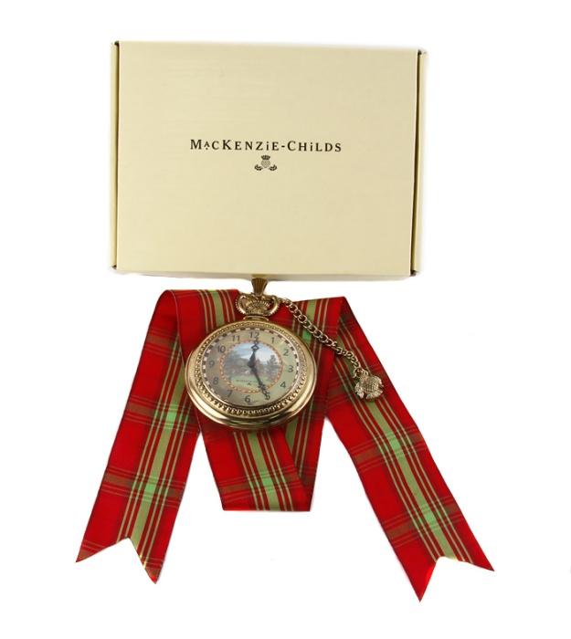 Детские часы. Металл, стекло. Китай, конец XX векаBM8434-58AEДетские часы. Металл, стекло. Китай, конец XX века. Диаметр 8,5 см, длина цепочки 14,5 см. Размеры коробки: 15 х 20,5 х 2,5 см. Игрушечные часы представляют собой увеличенную копию брегета. Забавный сувенир и необычный подарок!
