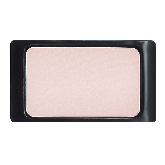 Artdeco Тени для век, матовые, 1 цвет, тон №557, 0,8 г26102025Матовые тени Artdeco - экстремально высоко пигментированные профессиональные тени, которые прекрасно подходят для макияжа Smoky Eyes, для женщин, не использующих перламутровые текстуры, ифотосъемок. Их гладкая, шелковистая текстура и формула премиального качества созданы для ценителей безукоризненного макияжа. Практичная упаковка на магнитах позволит комбинировать их по вашему вкусу. Характеристики:Вес: 0,8 г. Тон: №557. Производитель: Германия. Артикул: 30.557. Товар сертифицирован.