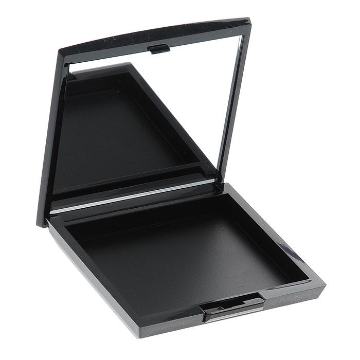 Artdeco Футляр для теней и румян Beauty Box Quadrat. 51305130Магнитный футляр Artdeco Beauty Box Quadrat обладает оригинальной системой косметической мозаики. Создайте свою собственную палитру для макияжа! Магнитная основа футляра позволяет очень легко без специального инструмента менять и комбинировать по-новому блоки теней и румян. В этом футляре вы можете хранить 6 оттенков теней или комбинировать 3 оттенка теней и 1 оттенок румян. Футляр имеет большое удобное зеркало, есть место для аппликатора. Характеристики:Вес: 50 г. Размер футляра: 8,2 см х 8,2 см х 1,5 см. Размер упаковки: 8,5 см х 8,5 см х 1,5 см. Артикул: 5130. Производитель: Германия. Товар сертифицирован.