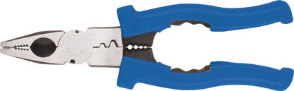 Пассатижи профессиональные FIT, многофункциональные, 200 мм2706 (ПО)Пассатижи FIT отличаются функциональностью, с их помощью можно не только работать с небольшими деталями, но и снимать изоляцию с проводов и зажимать клеммы. Прочная конструкция выполнена из инструментальной стали, что гарантирует высокую надежность и продолжительный срок службы инструмента. Характеристики: Материал: сталь, пластик. Размер пассатижей: 20 см x 6 см x 1,5 см. Размер упаковки: 26,5 см x 10 см x 2 см. Изготовитель: Китай.