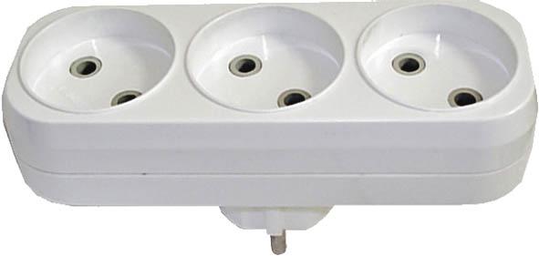Разветвитель UNIVersal без заземления, 3 гнезда. 833181156350414Разветвитель UNIVersal предназначен для одновременного присоединения одного, двух или трех бытовых приборов к одной розетке двухполюсной электрической сети переменного тока напряжением 220-250 Вт, частотой 50 Гц. Применяются для подключения электроприборов с вилкой европейского стандарта к розеткам российского стандарта до 250 Вт, изготовлен из АБС-пластика белого цвета. Характеристики: Материал: ABS пластик. Размеры разветвителя: 13,5 см x 4 см x 7 см. Размер упаковки: 25 см x 14 см x 5 см.