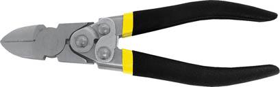 Бокорезы FIT Рычажный тип, 190 мм2706 (ПО)Бокорезы FIT предназначены для резки провода из меди, алюминия и других цветных металлов. Изделие изготовлено из шлифованной хром-ванадиевой стали и оснащено удобными эргономичными рукоятками из двухслойного ПВХ. Данный бокорез оснащен механизмом саморазжима, что позволяет приложить большее усилие при сведении губок по сравнению с обычными бокорезами. Характеристики: Материал: хром-ванадиевая сталь, резина, ПВХ. Длина: 19 см. Размер упаковки: 23 см х 7 см х 2,5 см.