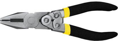 Пассатижи FIT Рычажный тип, 180 мм2706 (ПО)Пассатижи Fit обладают прочной стальной конструкцией. Губки инструмента обладают антикоррозийным покрытием, что обеспечивает долгий срок службы. Пассатижи имеют широкий спектр применения. Данный инструмент оснащен механизмом саморазжима, что позволяет приложить большее усилие при сведении губок по сравнению с обычными пассатижами. Изделие изготовлено из шлифованной хром-ванадиевой стали и оснащено удобными эргономичными рукоятками из двухслойного ПВХ. Характеристики:Материал: металл, резина, ПВХ. Длина: 18 см. Размеры пассатиж: 18 см х 6 см х 2 см. Размер упаковки: 19 см x 7 см x 2 см.