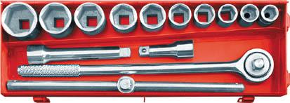 Набор головок с трещоткой FIT, 3/4, 15 шт2706 (ПО)Набор головок с трещоткой FIT предназначен для монтажа и демонтажа резьбовых соединений.В состав набора входит:ТрещоткаТ-образный рычаг с передвежным адаптером для головок2 адаптера-удлинителя для головокГоловки 22 мм, 24 мм, 27 мм, 30 мм, 32 мм, 36 мм, 38 мм, 41 мм, 46 мм, 50 ммМеталлический кейс для хранения. Характеристики: Материал: Ссталь. Длина трещотки: 49,5 см. Длина удлинителей: 10 см, 20 см. Длина Т-образного рычага : 45,5 см. Размеры кейса:54 см х 18 см х 8 см. Размеры упаковки:54 см х 18 см х 8 см.