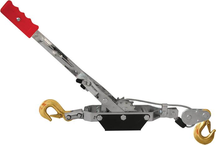 Лебедка ручная FIT 64646AL-350Ручная лебедка FIT позволяет вытащить застрявший на бездорожье автомобиль. Ручная лебедка может быть использована в гараже или на даче для перемещения грузов при монтажных и демонтажных работах. Служит для перемещения грузов по горизонтальной и наклонной плоскости. Механизм усилен двойной шестеренкой для троса. Симметричные шестеренки, не дают тросу застревать и съезжать в сторону. Стопор лебедки вынесен ближе к рычагу и находится дальше от шестеренки.