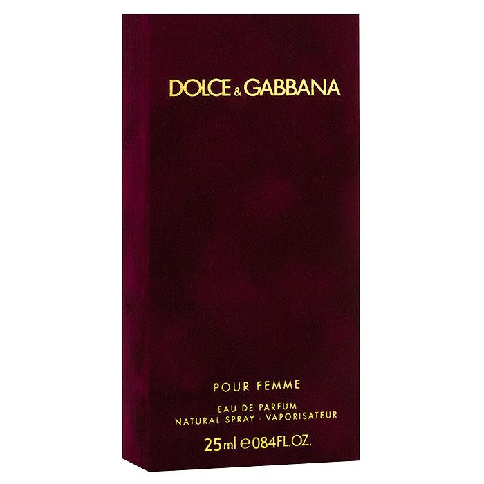 Dolce & Gabbana Парфюмерная вода Pour Femme, 25 мл0737052597980Dolce & Gabbana Pour Femme - прошло 20 лет с тех пор, как знаменитый дизайнерский дуэт D&G представил миру свой первый женский аромат Dolce & Gabbana. Аромат сразу же стал бестселлером на многие годы. В сентябре 2012 года знаменитые творцы решили выпустить более зрелую версии дебютного аромата.Классификация аромата: цветочный.Пирамида аромата:Верхние ноты: малина, мандарин, нероли.Ноты сердца: жасмин, цветы апельсина.Ноты шлейфа: ваниль, зефир, гелиотроп, сандал.Ключевые словаМанящий, сладкий, страстный, чувственный, яркий! Характеристики:Объем: 25 мл. Производитель: Великобритания. Самый популярный вид парфюмерной продукции на сегодняшний день - парфюмерная вода. Это объясняется оптимальным балансом цены и качества - с одной стороны, достаточно высокая концентрация экстракта (10-20% при 90% спирте), с другой - более доступная, по сравнению с духами, цена. У многих фирм парфюмерная вода - самый высокий по концентрации экстракта вид товара, т.к. далеко не все производители считают нужным (или возможным) выпускать свои ароматы в виде духов. Как правило, парфюмерная вода всегда в спрее-пульверизаторе, что удобно для использования и транспортировки. Так что если духи по какой-либо причине приобрести нельзя, парфюмерная вода, безусловно, - самая лучшая им замена.Товар сертифицирован.