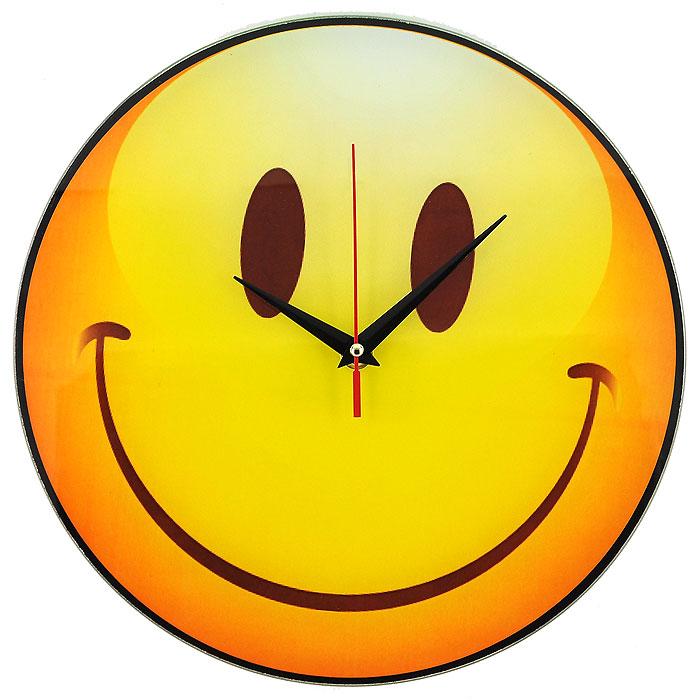 Часы настенные Смайл, кварцевые. 9439854 009304Настенные кварцевые часы Смайл своим необычным дизайном подчеркнут стильность и оригинальность интерьера вашего дома. Циферблат часов круглой формы выполнен из стекла и оформлен изображением очаровательного смайлика. Часы имеют три стрелки - часовую, минутную и секундную. На задней стенке часов расположена металлическая петелька для подвешивания.Такие часы послужат отличным подарком для ценителя ярких и необычных вещей. Характеристики:Материал: стекло, металл. Диаметр корпуса часов:28 см. Размер упаковки:29,5 см х 29 см х 4,5 см. Артикул:94398. Рекомендуется докупить батарейку типа АА (не входит в комплект).