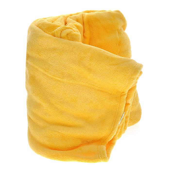 Плед флисовый Coral Fleece, цвет: дыня (желтый), 220 см х 200 см98299571Мягкий и приятный на ощупь плед Coral Fleece, изготовленный из флиса, согреет в прохладные вечера и сделает ваш дом уютным. Плед не скатывается и не вызывает аллергии, легко стирается и быстро сохнет. Плед хорошо впишется в стиль вашего дома и создаст атмосферу гармонии и спокойствия. Наслаждайтесь комфортом и уютом с пледом Coral Fleece и пусть в вашем доме будет тепло! Характеристики:Материал:флис (100% полиэстер). Цвет:дыня (желтый). Размер пледа:200 см х 220 см. Артикул:ПФД-200-220.