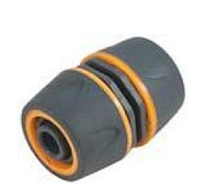 Муфта ремонтная пластиковая двухкомпонентная Fit, цвет: серо-оранжевый, 3/4106-026Муфта ремонтная Fit 3/4 применяется для быстрого и надежного соединения двух участков шланга. Муфта выполнена из ABS пластика с прорезиненными вставками. Характеристики: Материал: ABS пластик, резина. Размер муфты: 5,5 см х 4 см х 4 см. Размер в упаковке: 9 см х 12 см х 4 см.