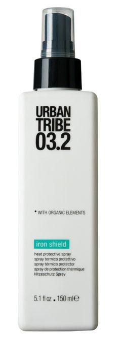 Urban Tribe Жидкость для волос Iron Shield, термозащитная, 150 млMP59.4DЖидкость для волос Urban Tribe Iron Shield защищает волосы во время укладки выпрямителем или стайлером. Разглаживает чешуйки волос, придает блеск и сохраняет эффект надолго. Защитный полимер создает прочное подвижное покрытие волос, устойчивое к высокой температуре. Имея отрицательный заряд, он прекрасно устраняет статическое электричество и защищает волосы во время укладки феном или выпрямителем. Органические, эко-сертифицированные элементы, оказывают увлажняющее, ухаживающее и антиоксидантное действие.Характеристики:Объем: 150 мл. Производитель: Италия. Товар сертифицирован.