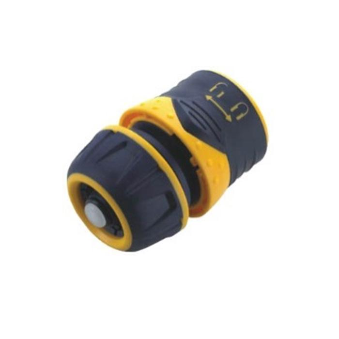 Соединитель для шлангов FIT с автостопом, 1/2, цвет: черный, оранжевый. 77433106-026Пластиковый соединитель FIT применяется для быстрого и надежного соединения шланга 1/2. С любой насадкой поливочной системы. Совместим со всеми элементами аналогичной поливочной системы. Встроенный клапан автостопа перекрывает поток воды при снятии распылителя. Характеристики: Материал: ABS пластик, резина. Размер соединителя: 4 см х 6 см х 4 см. Размер упаковки: 12 см x 9 см x 4,5 см.