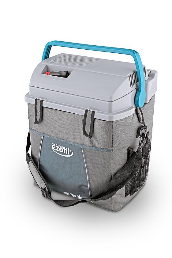 Термоэлектрический контейнер охлаждения Ezetil ESC 28 12V300129Отсек для хранения шнура питания и штекера прикуривателя (12В) вмонтирован в крышку. Вертикальное хранение 1,5 л бутылок. Наружная часть корпуса выполнена в виде сумки с удобным ремешком для переноса на плече и с большим карманом для хозяйственных мелочей. Характеристики: Материал:пластик, металл, полистер, алюминий, медь. Размер: 39 см х 30 см х 47 см. Объем: 28 л.