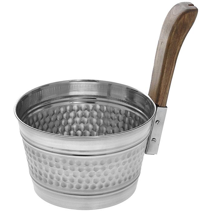 Бадья Банные штучки, рельефная, нержавеющая сталь, 4 лC0042416Бадья Банные штучки выполнена из нержавеющей стали и оснащена удобной деревянной рукояткой. Бадья станет незаменимым аксессуаром для отдыха в бане или сауне. Характеристики:Материал: нержавеющая сталь, дерево. Объем: 4 л. Диаметр бадьи по верхнему краю: 22 см. Высота стенки бадьи: 15 см. Длина рукоятки: 17 см. Артикул: 32031.