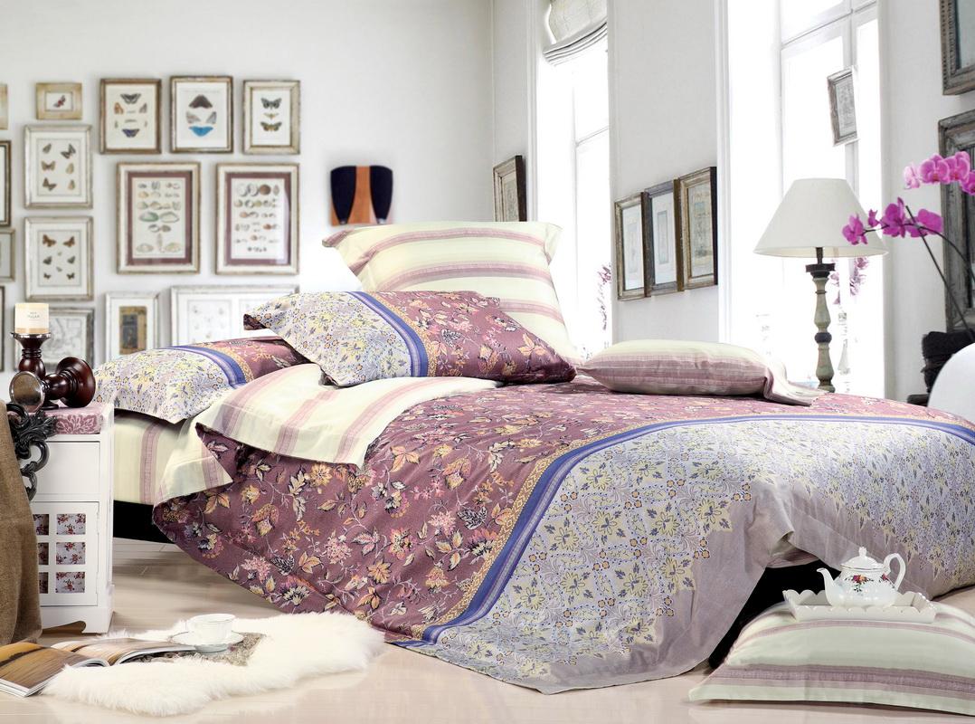 Комплект белья Tiffanys Secret Восток (1,5 спальный КПБ, сатин, наволочки 50х70)391602Комплект постельного белья Tiffanys Secret Восток является экологически безопасным для всей семьи, так как выполнен из натурального хлопка. Комплект состоит из пододеяльника на молнии, простыни и двух наволочек. Предметы комплекта оформлены оригинальным рисунком.Сатин - это ткань, навсегда покорившая сердца человечества. Ценившие роскошь персы называли ее атлас, а искушенные в прекрасном французы - сатин. Секрет высококачественного сатина в безупречности всего технологического процесса. Эту благородную ткань делают только из отборной натуральной пряжи, которую получают из самого лучшего тонковолокнистого хлопка. Благодаря использованию самой тонкой хлопковой нити получается необычайно мягкое и нежное полотно. Сатиновое постельное белье превращает жаркие летние ночи в прохладные и освежающие, а холодные зимние - в теплые и согревающие. Сатин очень приятен на ощупь, постельное белье из него долговечно, выдерживает более 300 стирок, и лишь спустя долгое время материал начинает немного тускнеть. Оцените все достоинства постельного белья из сатина, выбирая самое лучшее для себя! Характеристики: Страна: Россия. Материал: сатин (100% хлопок). Размер упаковки: 25 см х 38 см х 5 см. В комплект входят: Пододеяльник - 1 шт. Размер: 150 см х 220 см. Простыня - 1 шт. Размер: 150 см х 220 см. Наволочка - 2 шт. Размер: 50 см х 70 см.