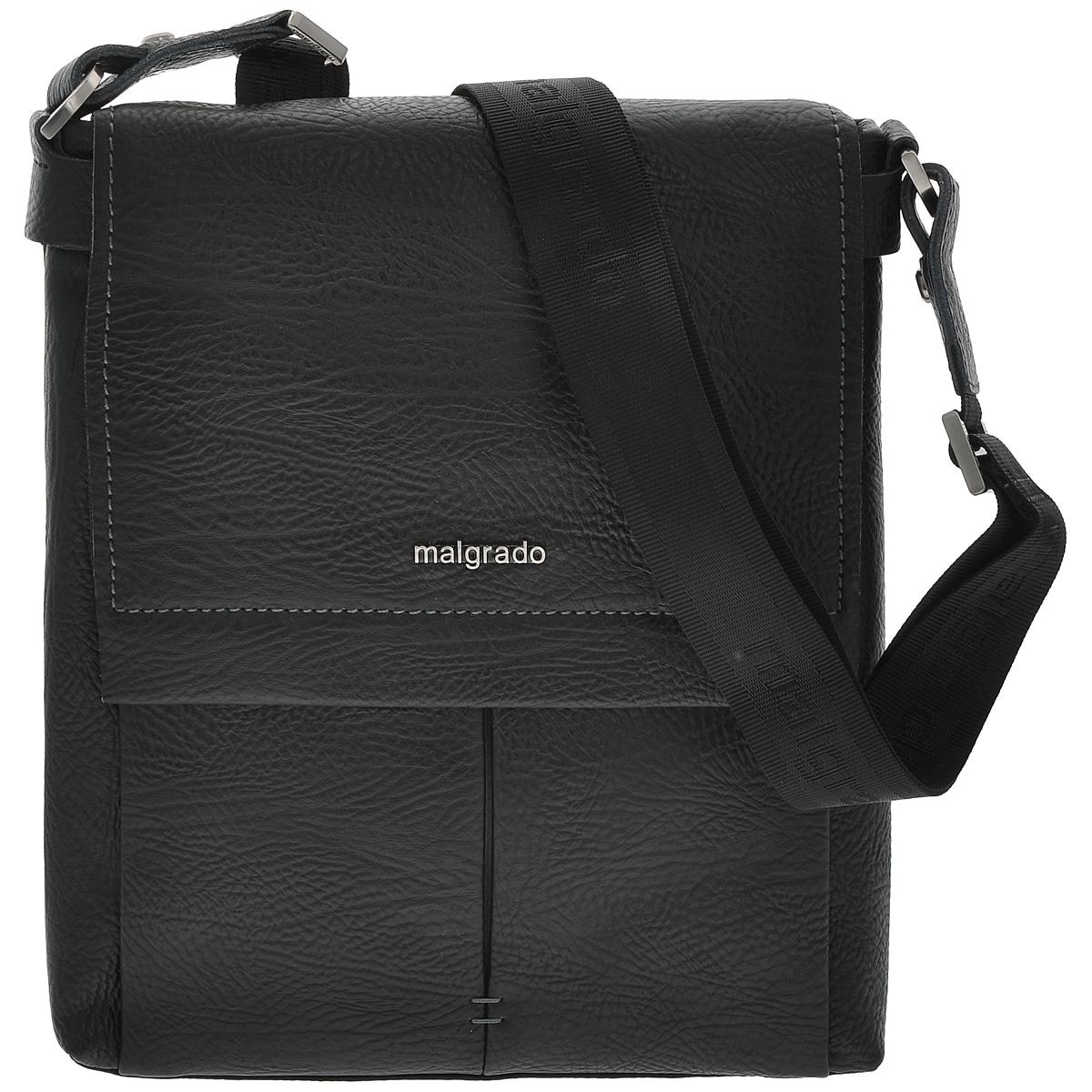 Сумка мужская Malgrado, цвет: черный. BR09-201C1782 black23008Мужская сумка Malgrado выполнена из натуральной кожи черного цвета. Сумка состоит из одного отделения, закрывающегося на застежку-молнию и сверху широким клапаном на магниты. Внутри отделения расположен вшитый карман на молнии, три наборных кармашка для кредитных карт, накладной карман для мобильного телефона и два фиксатора для пишущих принадлежностей. Под клапаном расположен открытый карман для бумаг. Сумка оснащена актуальной ручкой-лентой регулируемой длины. Сегодня мужская сумка - необходимый аксессуар для современного мужчины. Характеристики:Материал: натуральная кожа, металл, текстиль. Цвет: черный. Размер сумки: 27 см х 30 см х 7 см.Высота ручки (регулируется): 45 см. Артикул: BR09-201C1782.
