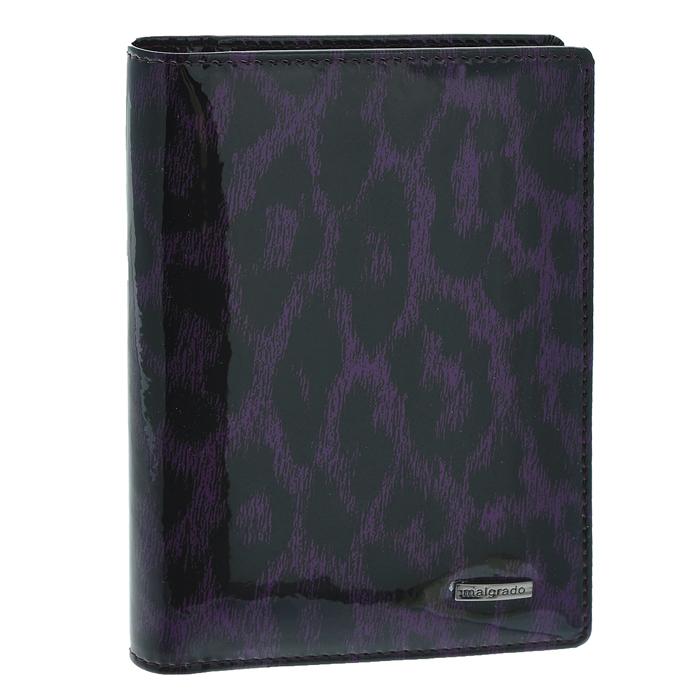 Обложка для паспорта Malgrado, цвет: фиолетовый. 54019-1-15802O.88.BR.черныйСтильная обложка для паспорта Malgrado изготовлена из натуральной лакированной кожи фиолетового цвета с декоративным принтом. Внутри содержит прозрачное пластиковое окно, съемный прозрачный вкладыш для полного комплекта автодокументов, пять отделений для кредитных и дисконтных карт. Обложка упакована в подарочную картонную коробку с логотипом фирмы. Такая обложка станет замечательным подарком человеку, ценящему качественные и практичные вещи. Характеристики:Материал: натуральная кожа, пластик. Размер обложки: 13,5 см х 9,5 см х 1,5 см. Цвет: фиолетовый.Размер упаковки:15,5 см х 11,5 см х 3,5 см. Артикул: 54019-1-15802.