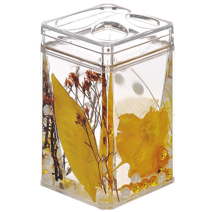 Стаканчик для зубных щеток Gold Leaf68/2/4Стаканчик для зубных щеток Gold Leaf, изготовленный из прозрачного пластика, отлично подойдет для вашей ванной комнаты. Стаканчик имеет двойные стенки, между которыми находится прозрачный гелевый наполнитель с золотистыми листьями, веточками и бусинами белого и золотистого цвета.Стаканчик для зубных щеток Gold Leaf создаст особую атмосферу уюта и максимального комфорта в ванной. Характеристики: Материал: пластик, акрил, гелевый наполнитель. Цвет: золотистый, черный, белый. Размер стаканчика: 7 см х 7 см х 11,5 см. Производитель: Швеция. Изготовитель: Китай. Размер упаковки: 7,5 см х 7,5 см х 12,5 см. Артикул: 867-88.