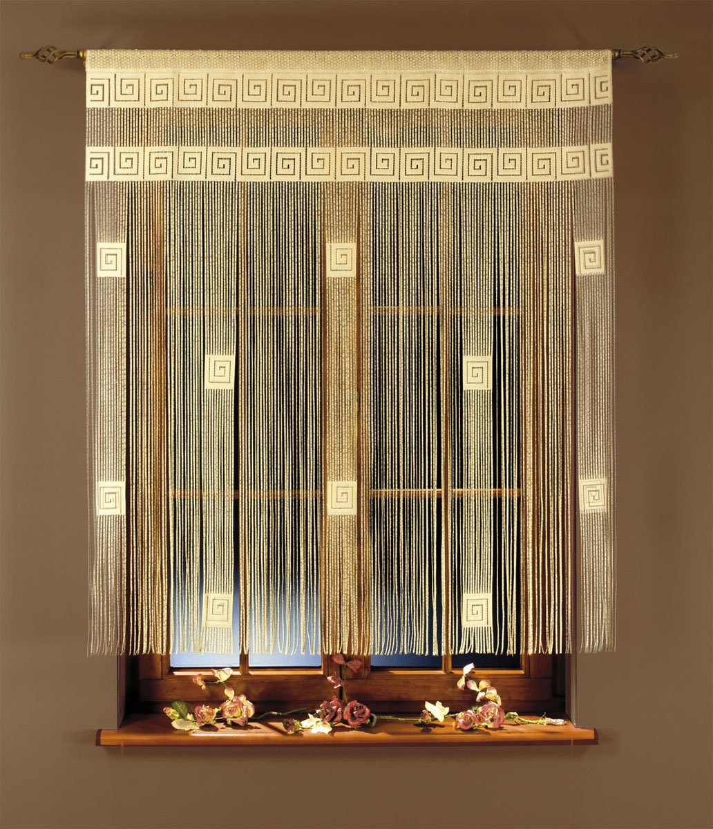 Гардина-лапша Ira, на кулиске, цвет: белый, высота 160 см391602Гардина-лапша Ira, изготовленная из полиэстера белого цвета, станет великолепным украшением окна, дверного проема и прекрасно послужит для разграничения пространства. Необычный дизайн и яркое оформление привлекут внимание и органично впишутся в интерьер.Гардина-лапша оснащена кулиской для крепления на круглый карниз. Характеристики:Материал: 100% полиэстер. Цвет: белый. Высота кулиски: 6 см. Размер упаковки:27 см х 38 см х 6 см. Артикул: 663316. В комплект входит: Гардина-лапша - 1 шт. Размер (ШхВ): 270 см х 160 см. Фирма Wisan на польском рынке существует уже более пятидесяти лет и является одной из лучших польских фабрик по производству штор и тканей. Ассортимент фирмы представлен готовыми комплектами штор для гостиной, детской, кухни, а также текстилем для кухни (скатерти, салфетки, дорожки, кухонные занавески). Модельный ряд отличает оригинальный дизайн, высокое качество. Ассортимент продукции постоянно пополняется.УВАЖАЕМЫЕ КЛИЕНТЫ!Обращаем ваше внимание на цвет изделия. Цветовой вариант гардины-лапши, данной в интерьере, служит для визуального восприятия товара. Цветовая гамма данной гардины-лапши представлена на отдельном изображении фрагментом ткани.