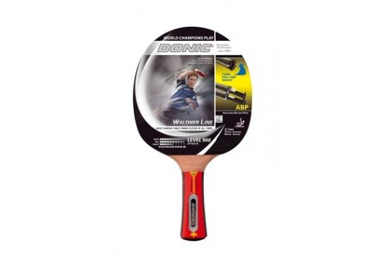 Ракетка для настольного тенниса Donic-Schildkrot Waldner 900LA010301Для профессиональных игроков, владеющих всеми видами техники игры с вращающимися ручками, которые обеспечивают высокую скорость подачи мяча. Характеристики:Материал: дерево, каучук.Размер ракетки: 26 см х 15 см х 2 см.Толщина губки: 2,1 мм.Длина ручки: 10 см.Размер упаковки: 26 см х 15 см х 2 см.Артикул: 754891.Производитель: Китай