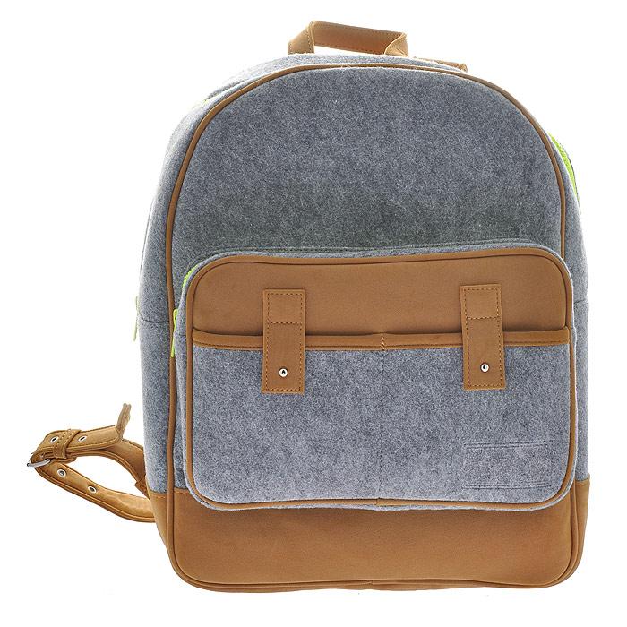 Рюкзак MRKT, цвет: серый. 222192S76245Рюкзак MRKT станет эффектным акцентом в вашем образе и превосходно подчеркнет неповторимый стиль. Модель выполнена из фетра - натуральной, высококачественной шерсти, мягкой и приятной на ощупь.Рюкзак состоит из одного вместительного отделения, закрывающегося на застежку-молнию. Внутри - вшитый карман на молнии и накладной карман, закрывающийся при помощи хлястика. На внешней стороне расположен объемный накладной карман на молнии и два кармашка для мелочей. Рюкзак оснащен двумя регулирующимися лямками.Простота, лаконичность и функциональность выделяют эту модель из ряда подобных. Характеристики:Материал: фетр, металл, искусственная кожа. Размер рюкзака: 30 см х 41 см х 12 см.Цвет: серый, коричневый. Артикул: 222192.