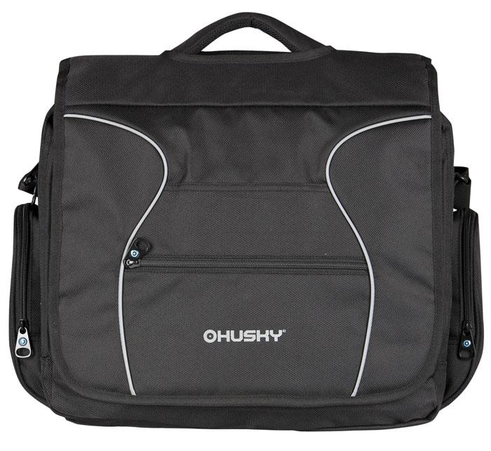 Сумка спортивная Husky Stig 16, цвет: черныйSLRC-206Стильлная сумка Husky Stig 16 подойдет для современных и мобильных людей. Сумка выполнена из плотного материала черного цвета с серыми вставками и имеет одно вместительное основное отделение на застежке-молнии, внутри которого расположено отделение для ноутбука максимальной диагональю 17,5 дюйма, фиксирующееся клапаном на липучке. Подкладка изготовлена из текстиля и оформлена в синей цветовой гамме. Отделение дополнительно закрывается клапаном на застежке. На лицевой стороне, под клапаном расположено восемь различных карманов: один из них сетчатый, один закрываются клапаном на липучке. Также имеются два дополнительных отделения для разных бумаг и документов формата А4. Сумка оснащена регулируемой по длине лямкой для переноски на плече и удобной текстильной ручкой. Основные характеристики: Объем: 16 л. Размер: 46 см x 38 см x 10 см. Материалы:полиэстер 1680D c водоотталкивающей пропиткой. Цвет: черный. Производитель: Чехия. Изготовитель: Китай.