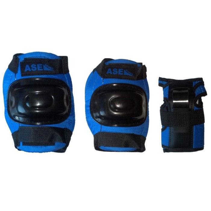 Защита роликовая ASE-608, цвет: синий, черный. Размер M202479Комплект защиты ASE-608 предназначен для комфортного и безопасного катания на роликах, чтобы ребенок при падении не получил травму. Наколенники и налокотники закрывают и предохраняют от ударов локти и колени - места частых ссадин у детей. Специальная защита для запястий уберегает кисть от ударов и предохраняет от вывихов. Защитная экипировка легко надевается и крепится при помощи ремней на липучках. Характеристики: Материал: текстиль, пластик. Размер наколенников: 12 см х 16 см х 4 см. Размер налокотников: 10 см х 14 см х 3 см. Размер основы защиты запястья: 8,5 см х 15,5 см.